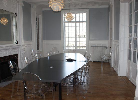 photo LE SEIZE salle de réunion (1)
